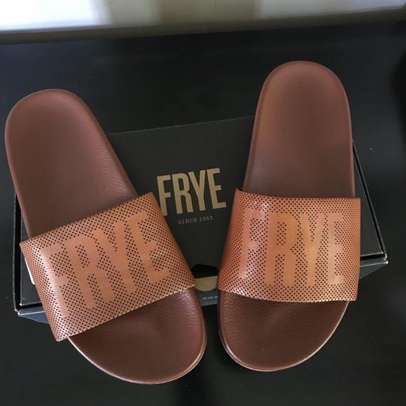 Frye Womens Lola Perf Logo Slid Sneaker